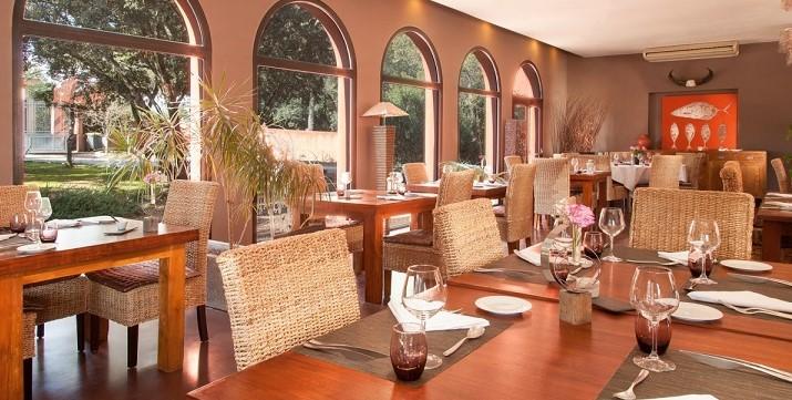 Image Disini - Restopolitan - Offre : Menu Carte Surprise à 49€ : Entrée + Plat + Dessert Conditions : 2 boissons minimum par table (hors boissons chaudes)