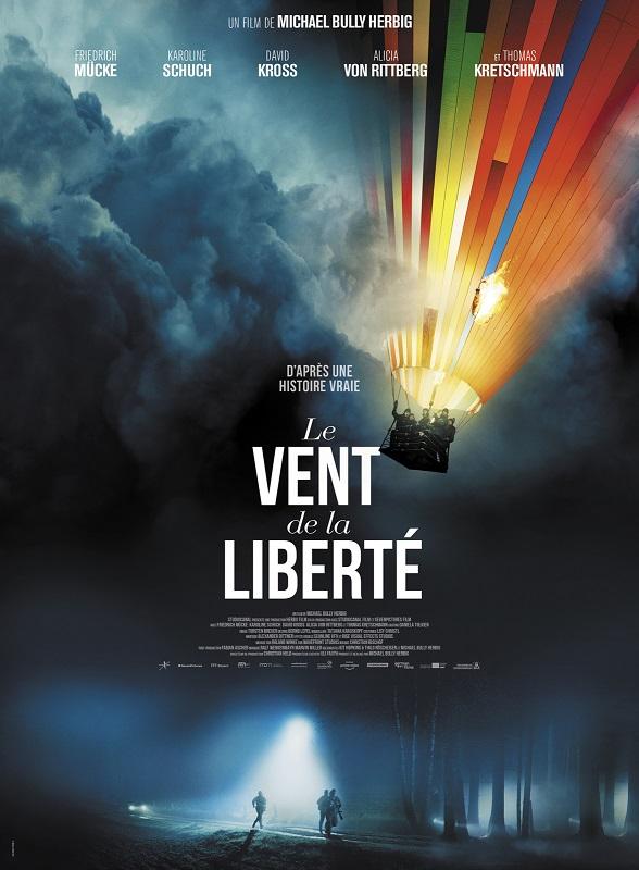 Image Projection en plein air du film : Le vent de la liberté