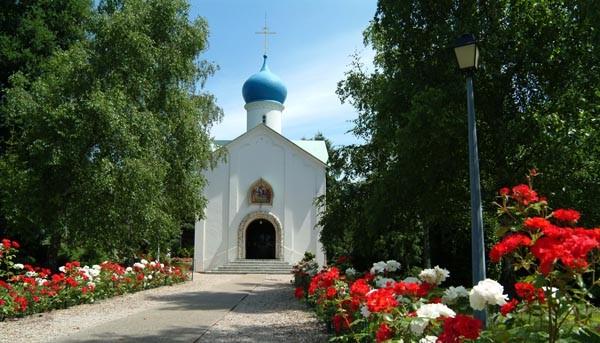 Image Eglise et cimetière Orthodoxes Russes