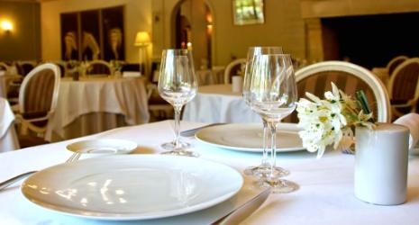 Image Restaurant Gastronomique de Valrugues - Restopolitan - Plat + Dessert au choix à la Carte (hors Menu)