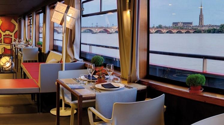 Image Bateau Restaurant Sicambre - Restopolitan - Offre : Menu Garonne à 30€ : Apéritif / Entrée / Plat / Dessert