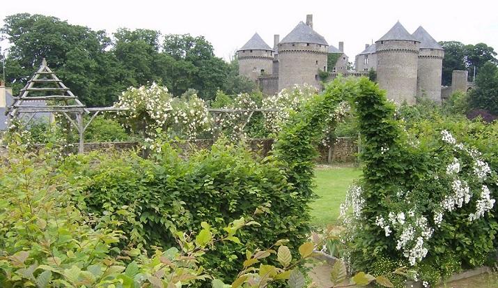 Image Jardin médiéval et Roseraie de Lassay